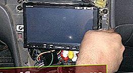 Pasistatykite 2 DIN radijo magnetofoną