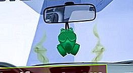 Benzīna smarža salonā