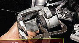 Udskiftning af de forreste bremseklodser på en Ford Focus 2