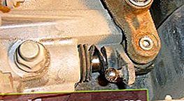 Udskiftning af gearkassens olietætning på Ford Focus 2